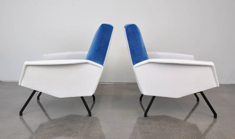 Pair of French Blue and White Velvet Lounge Chairs In Good Condition For Sale In Miami, FL