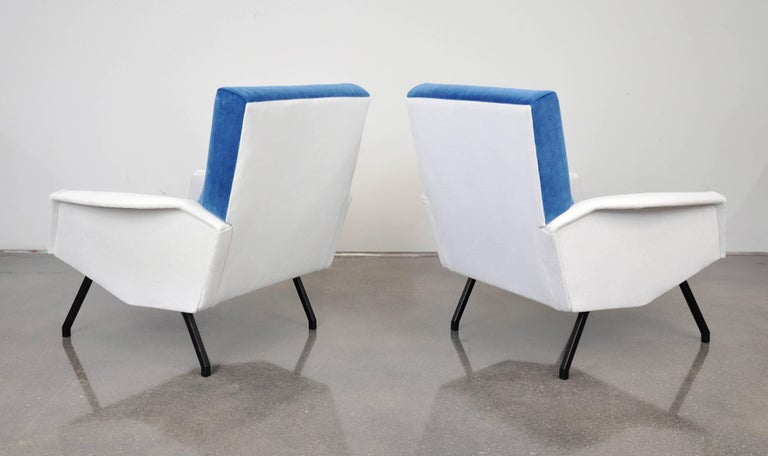 Pair of French Blue and White Velvet Lounge Chairs For Sale 1