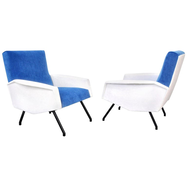 Mid-20th Century Pair of Mid-Century Velvet Lounge Chairs For Sale