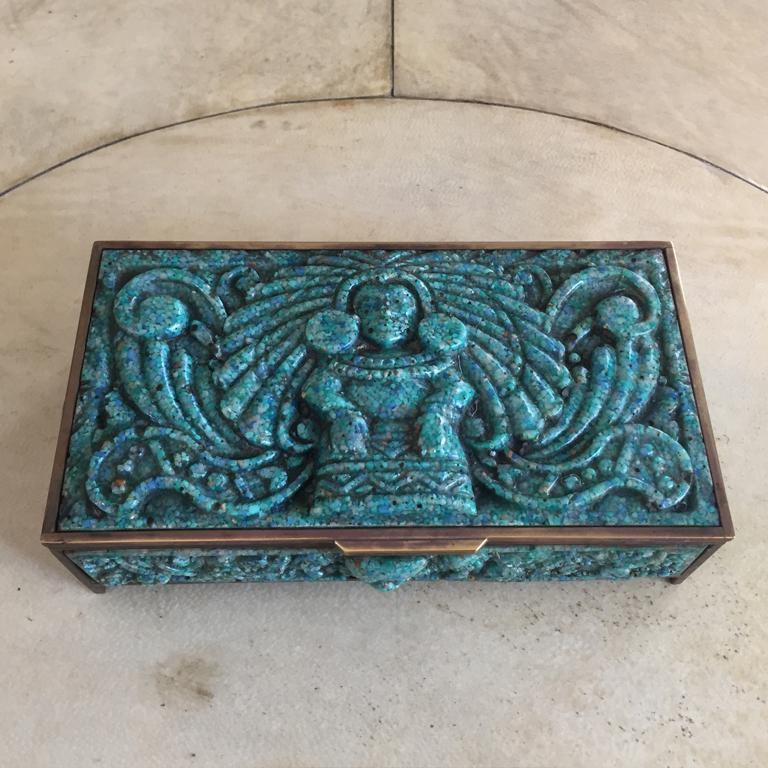 Pair of French boxes in malachite paste, 1930.