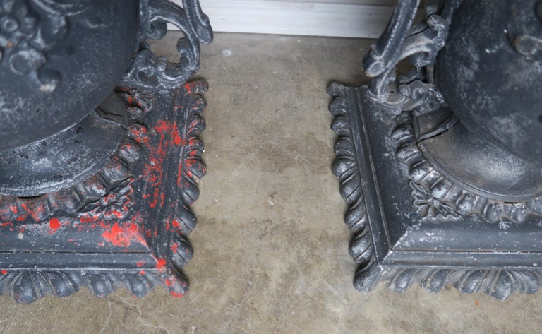 Pair of French Cast Iron Garden Planters, circa 1900 For Sale 2