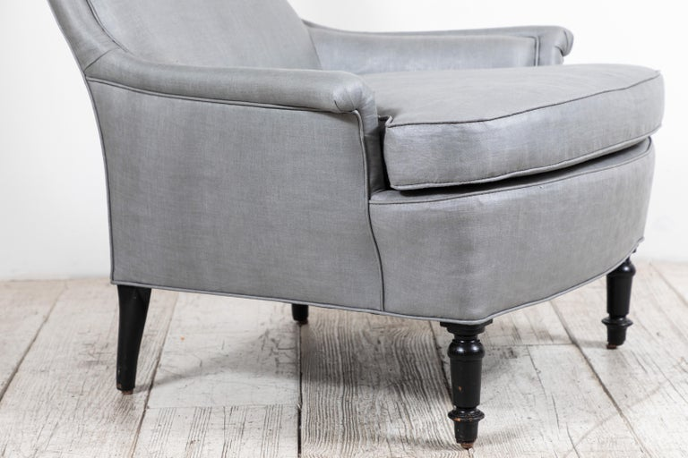 Pair of French Club Chairs Upholstered in Grey Beetled Linen Fabric For Sale 4