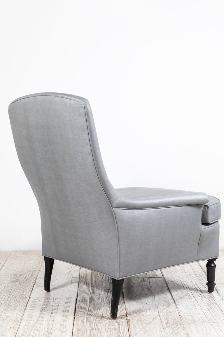 Pair of French Club Chairs Upholstered in Grey Beetled Linen Fabric For Sale 5