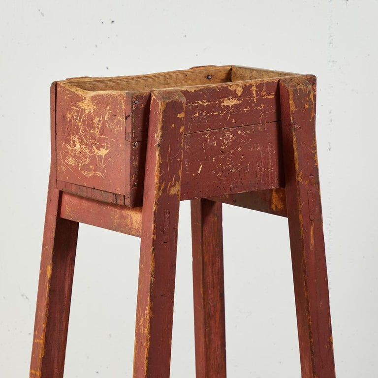 Pair of French Country Red Painted Wooden Planters on Long Splayed Legs In Good Condition For Sale In Los Angeles, CA
