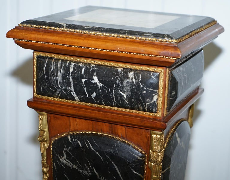 Pair of French Empire Marble, Kingwood & Ormolu Mounts Pedestal Columns Pillars In Good Condition For Sale In London, GB