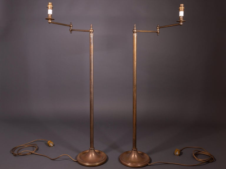 Early 20th Century Pair of French Floor Lamps in Golden Brass For Sale