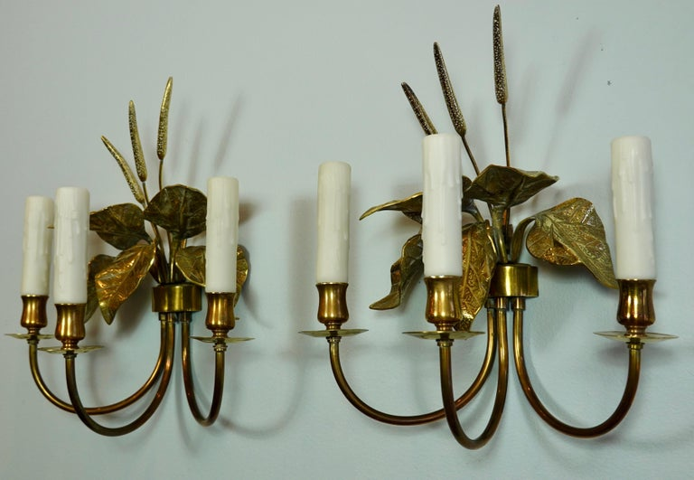 Pair of French Gilt-Bronze Cattail Sconces in the Style of Maison Charles In Good Condition For Sale In Charleston, SC