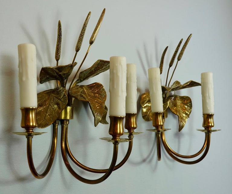 20th Century Pair of French Gilt-Bronze Cattail Sconces in the Style of Maison Charles For Sale