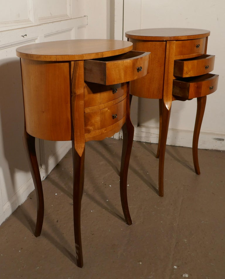 Pair of French Golden Cherry Oval Bedside Cabinets In Good Condition For Sale In Chillerton, Isle of Wight