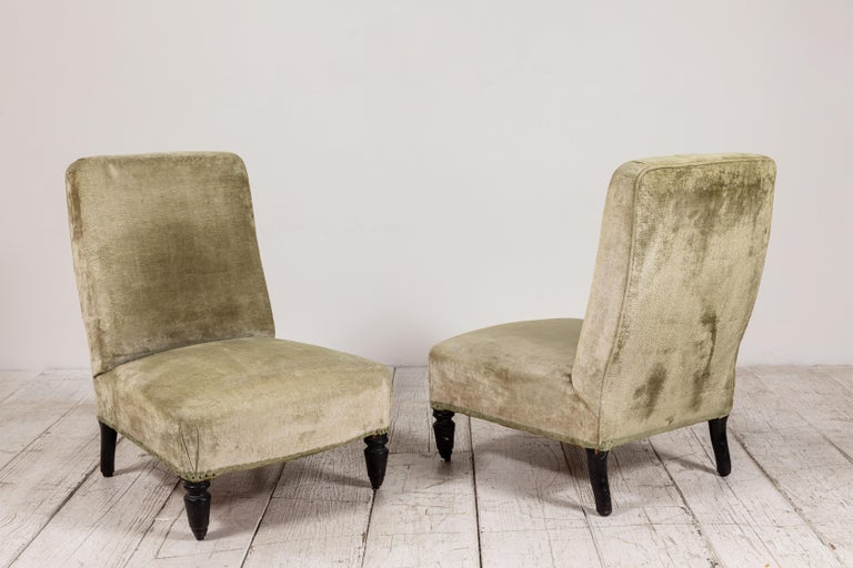 Pair of French Green Velvet Slipper Chairs In Good Condition For Sale In Los Angeles, CA