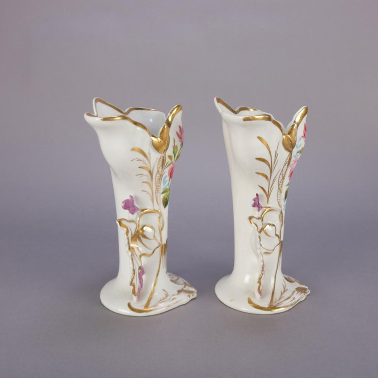 Victorian Pair of French Hand Painted and Gilt Porcelain Old Paris Spill Vases, circa 1880 For Sale