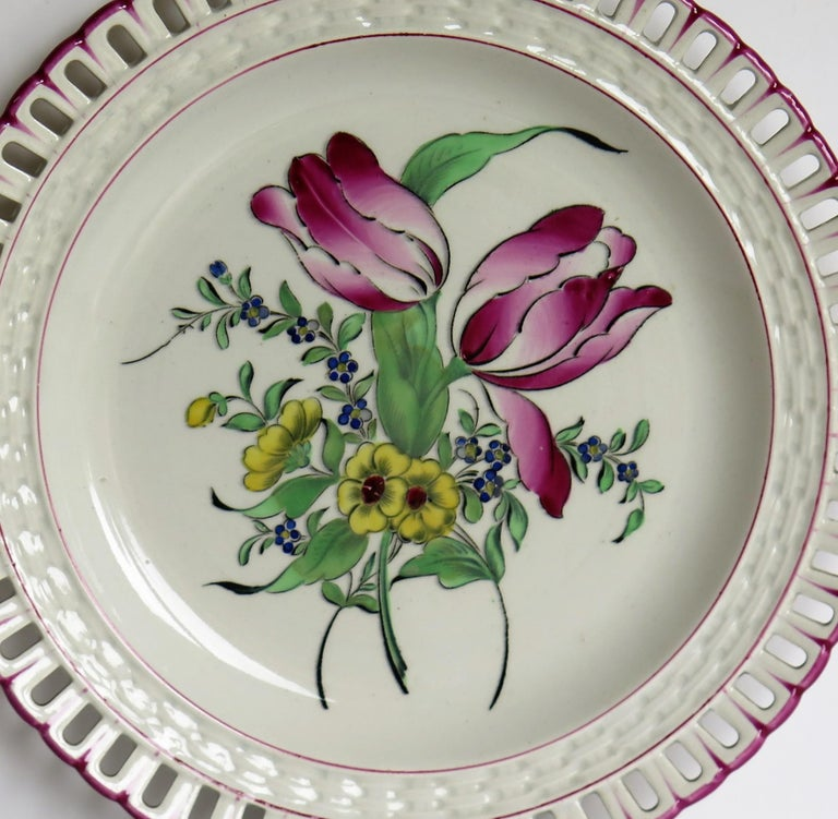 Pair of French K&G Luneville Faience Plates Hand Painted Flowers, circa 1895 In Good Condition For Sale In Lincoln, Lincolnshire