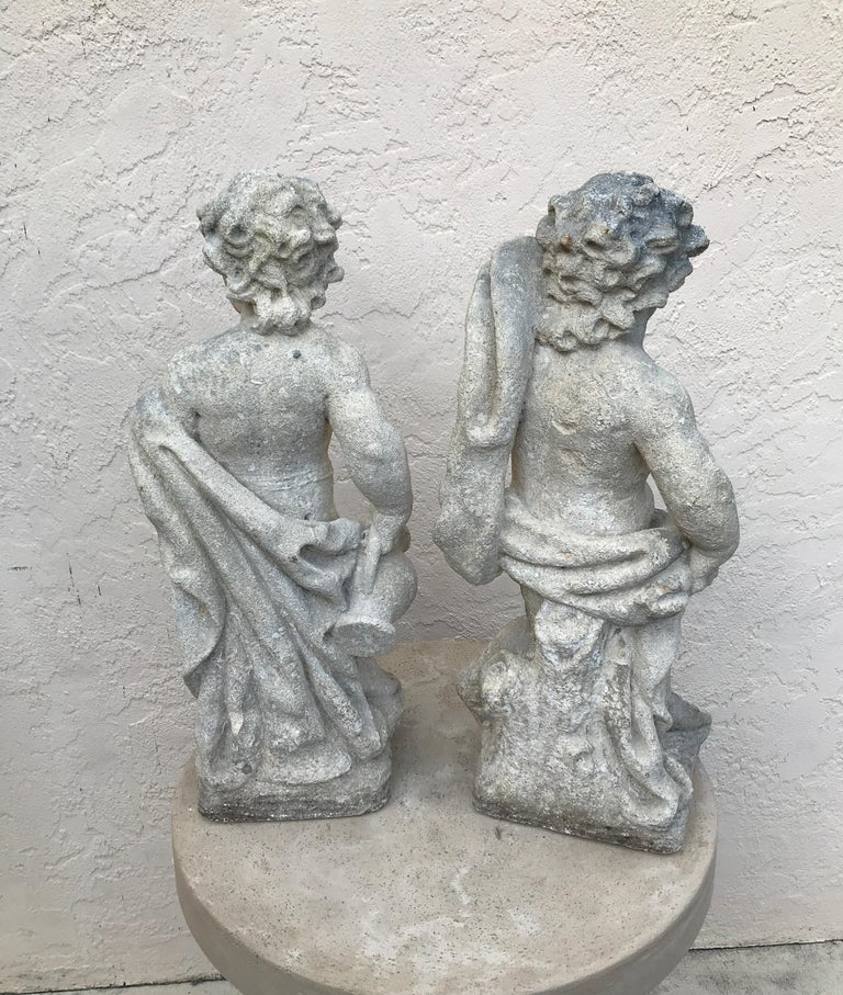 Pair of French Limestone Putti In Good Condition For Sale In West Palm Beach, FL
