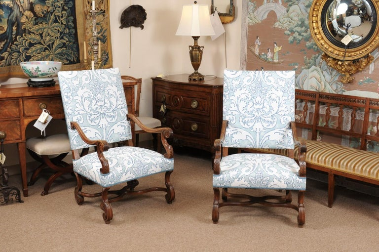 Pair of  French Louis XIV Style Walnut Armchairs, Late 19th Century For Sale 5