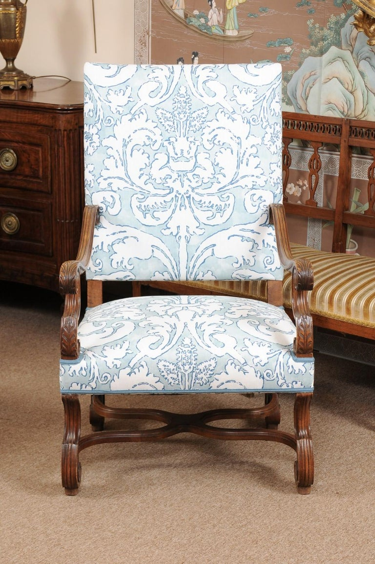 Pair of  French Louis XIV Style Walnut Armchairs, Late 19th Century For Sale 7