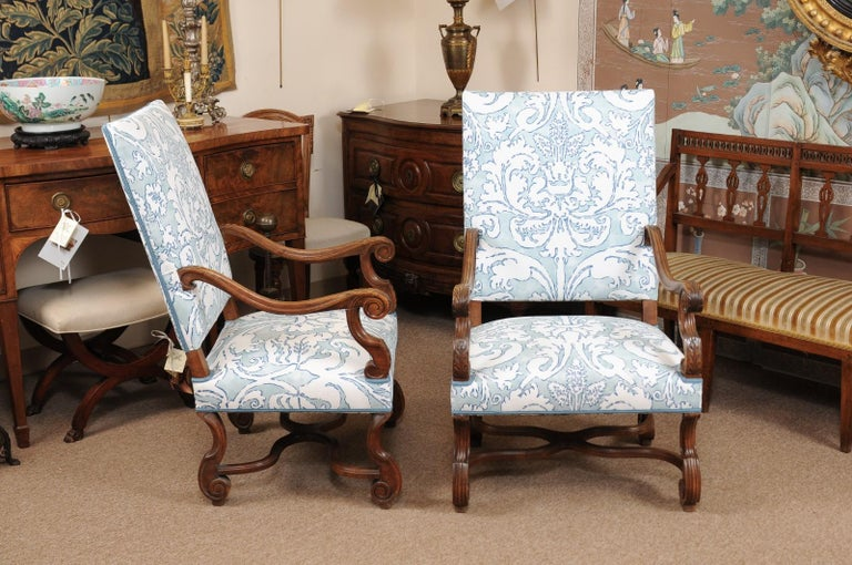 Pair of  French Louis XIV Style Walnut Armchairs, Late 19th Century For Sale 8