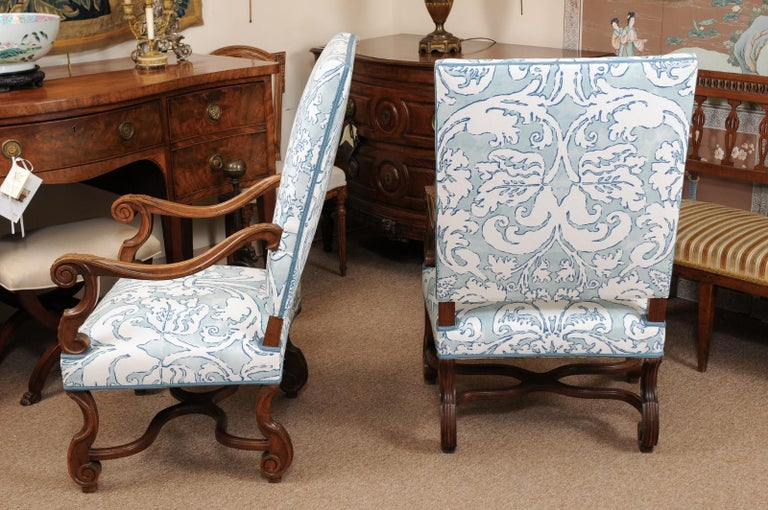 Pair of  French Louis XIV Style Walnut Armchairs, Late 19th Century For Sale 1