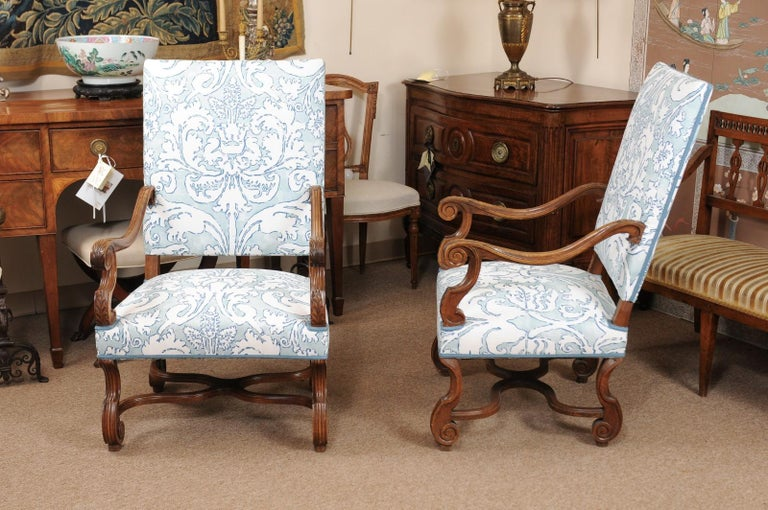 Pair of  French Louis XIV Style Walnut Armchairs, Late 19th Century For Sale 2