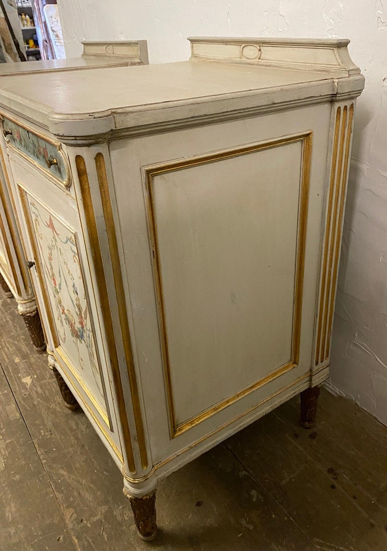 Pair of French Louis XV Paint Decorated Nightstands In Good Condition For Sale In Great Barrington, MA