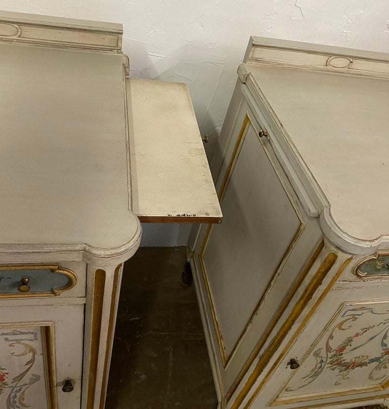 Wood Pair of French Louis XV Paint Decorated Nightstands For Sale