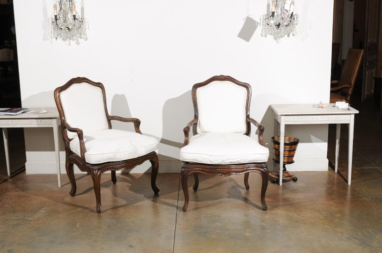 Pair of French Louis XV Style 1820s Walnut Fauteuils with New Upholstery In Good Condition In Atlanta, GA