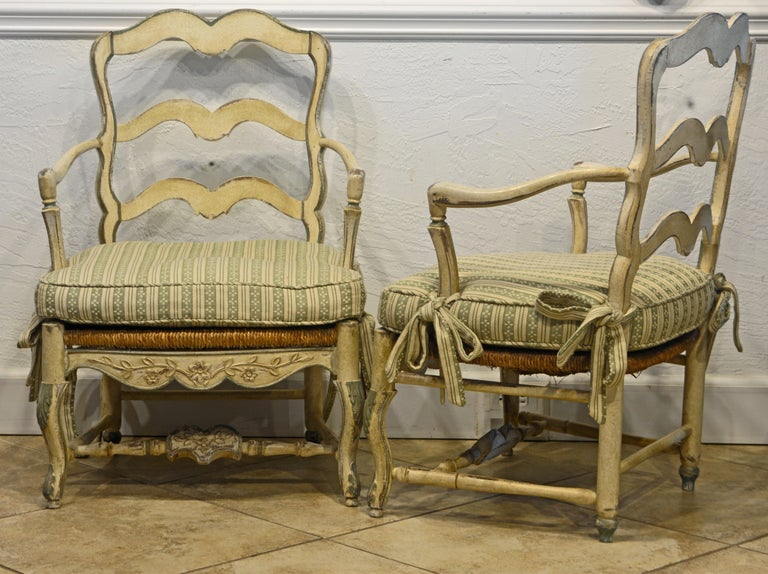 Hand-Carved Pair of French Louis XV Style Carved and Painted Bergere Chairs, 20th Century For Sale