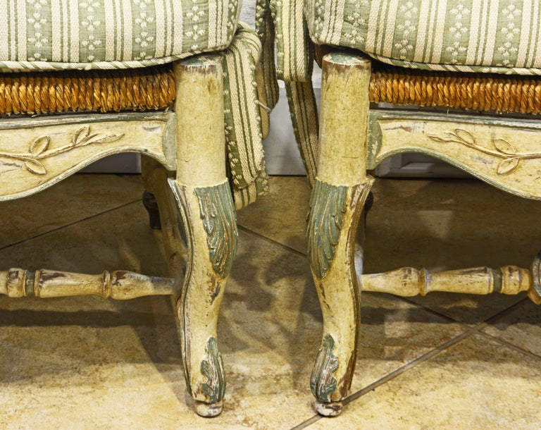 Pair of French Louis XV Style Carved and Painted Bergere Chairs, 20th Century For Sale 2