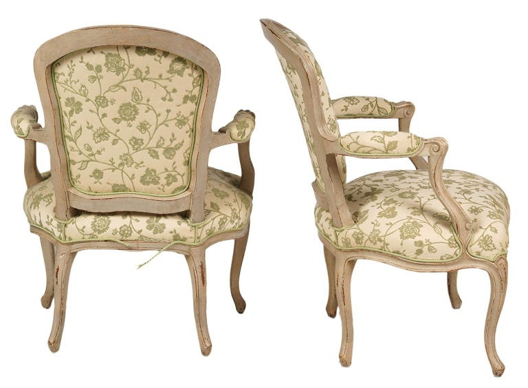 Pair of French Louis XV Style Carved and Painted Upholstered Armchairs In Good Condition For Sale In Ft. Lauderdale, FL