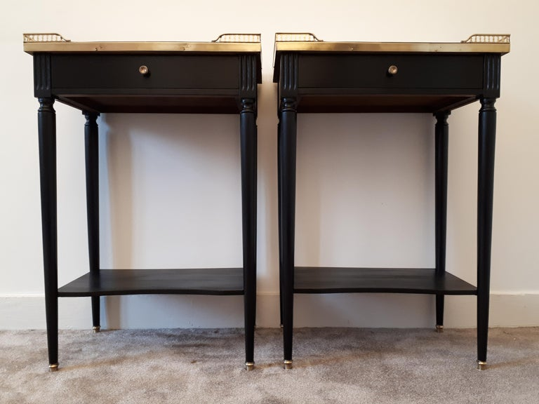 Pair of French Louis XVI Style Marble Nightstands In Good Condition For Sale In Paris, FR