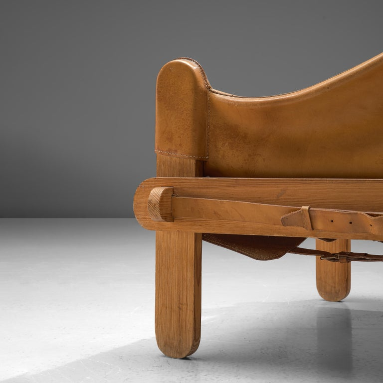 Pair of French Lounge Chairs in Cognac Leather For Sale 1