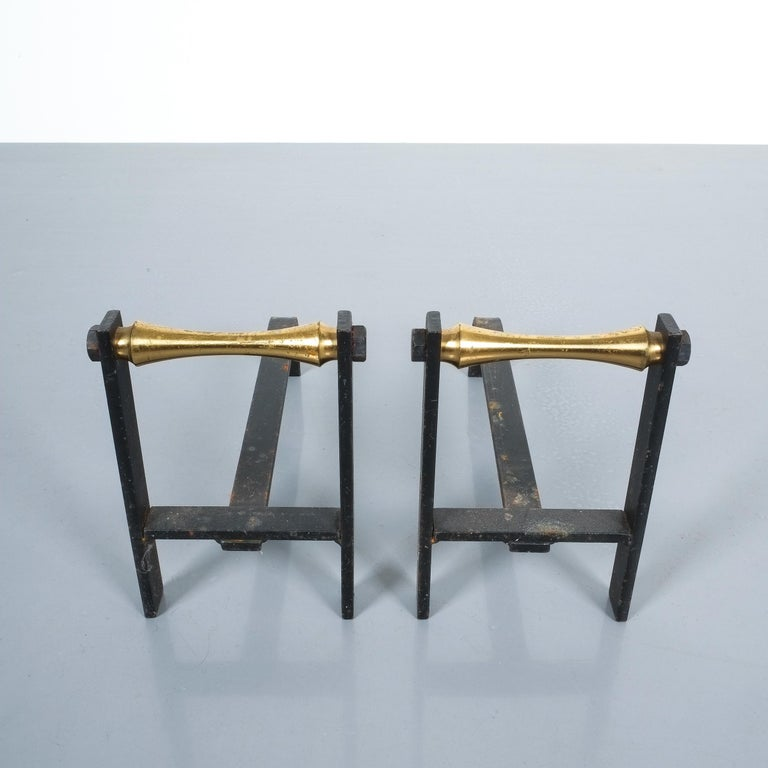 Pair of French Midcentury Andirons from Iron and Brass In Good Condition For Sale In Vienna, AT