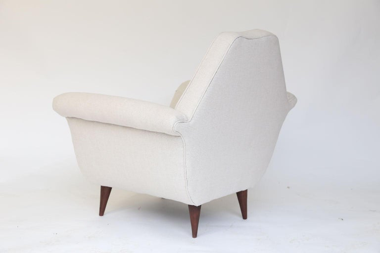 20th Century Pair of French Mid-Century Modern Chairs For Sale