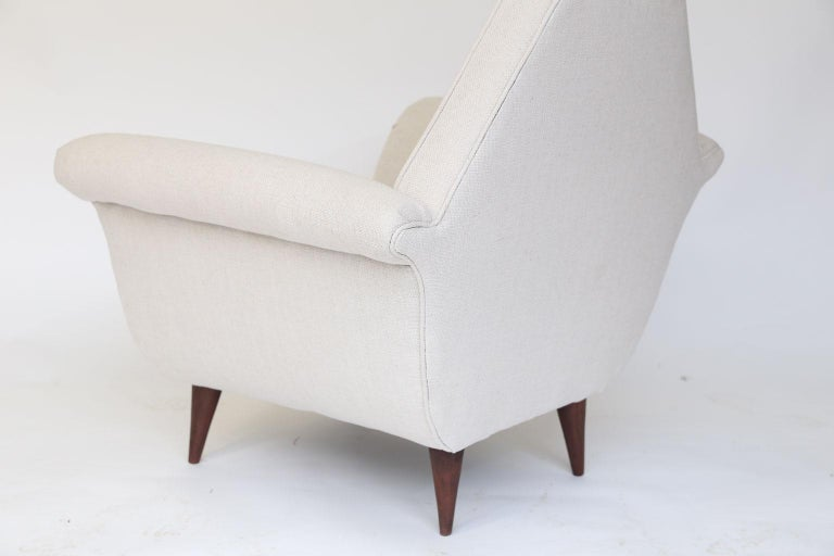 Fabric Pair of French Mid-Century Modern Chairs For Sale