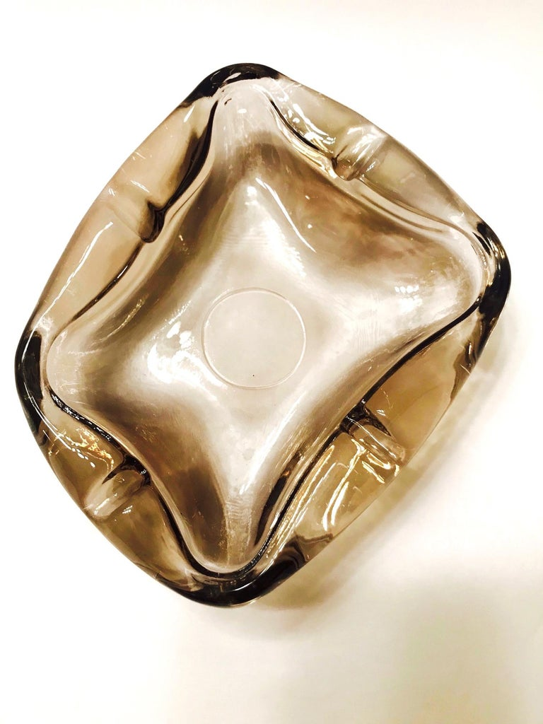 Pair of French Mid-Century Modern Smoked Glass Ashtrays, 1960s For Sale 4