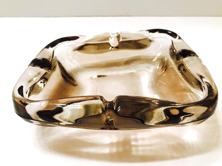 Mid-20th Century Pair of French Mid-Century Modern Smoked Glass Ashtrays, 1960s For Sale