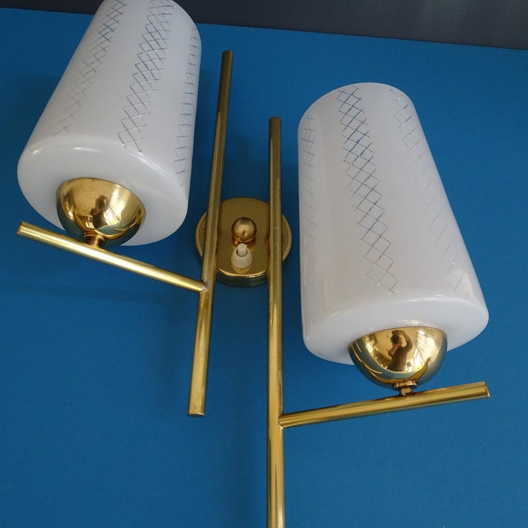 Pair of French  Midcentury Lunel Glass Brass Sconces,   Mirror Wall Lights For Sale 6