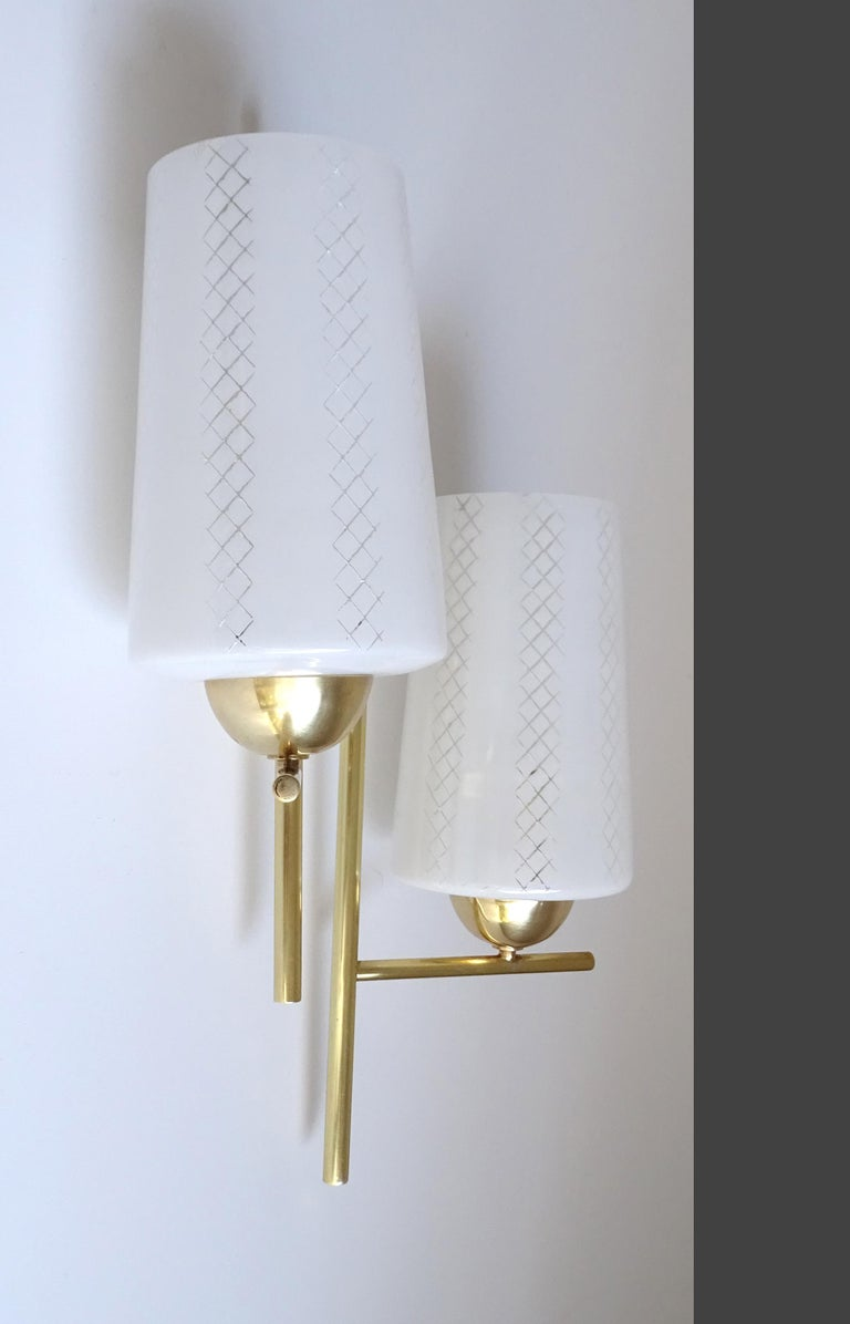 Pair of French  Midcentury Lunel Glass Brass Sconces,   Mirror Wall Lights For Sale 5