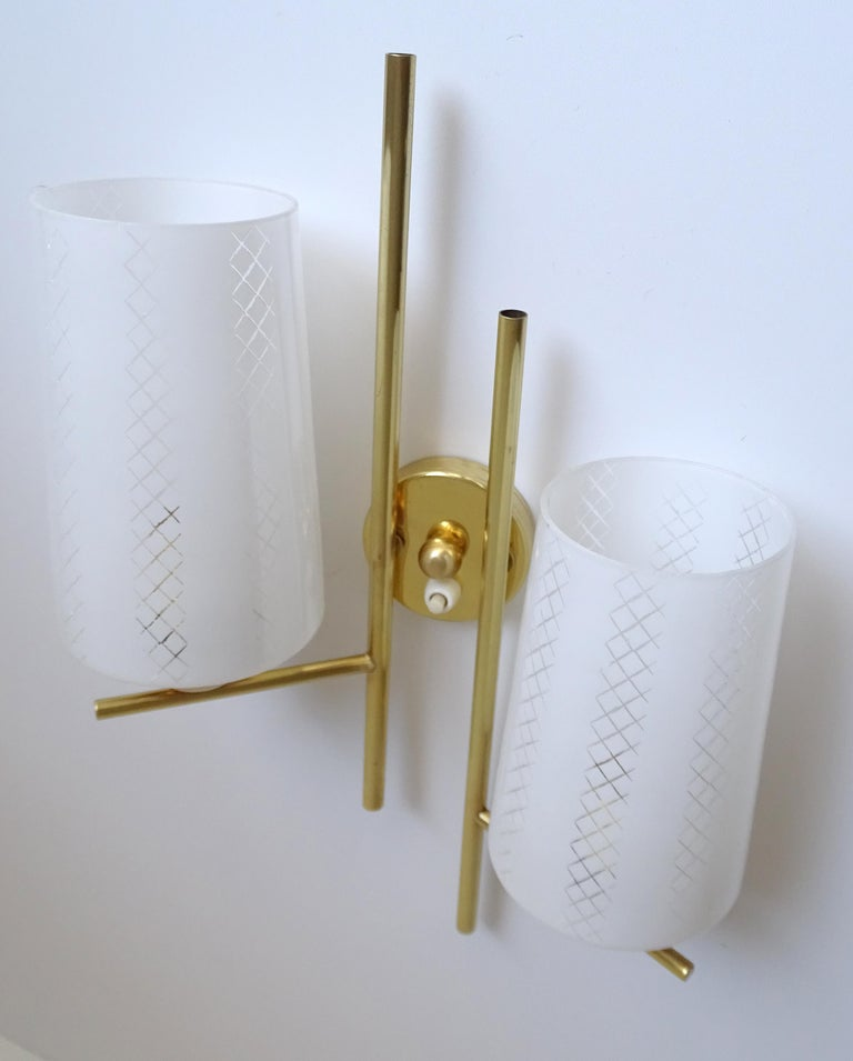 Pair of French  Midcentury Lunel Glass Brass Sconces,   Mirror Wall Lights For Sale 11