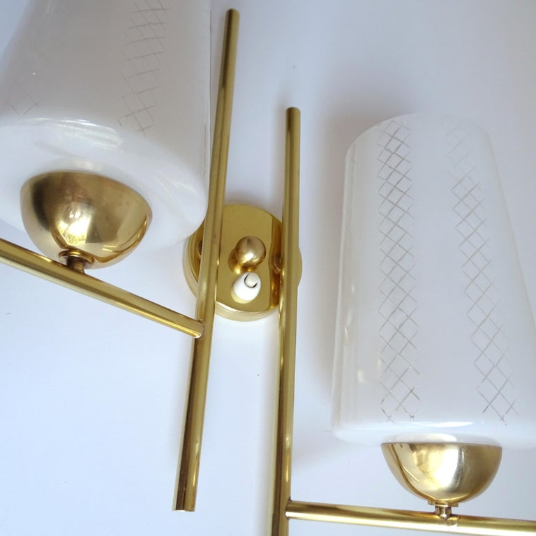 Pair of French  Midcentury Lunel Glass Brass Sconces,   Mirror Wall Lights For Sale 12