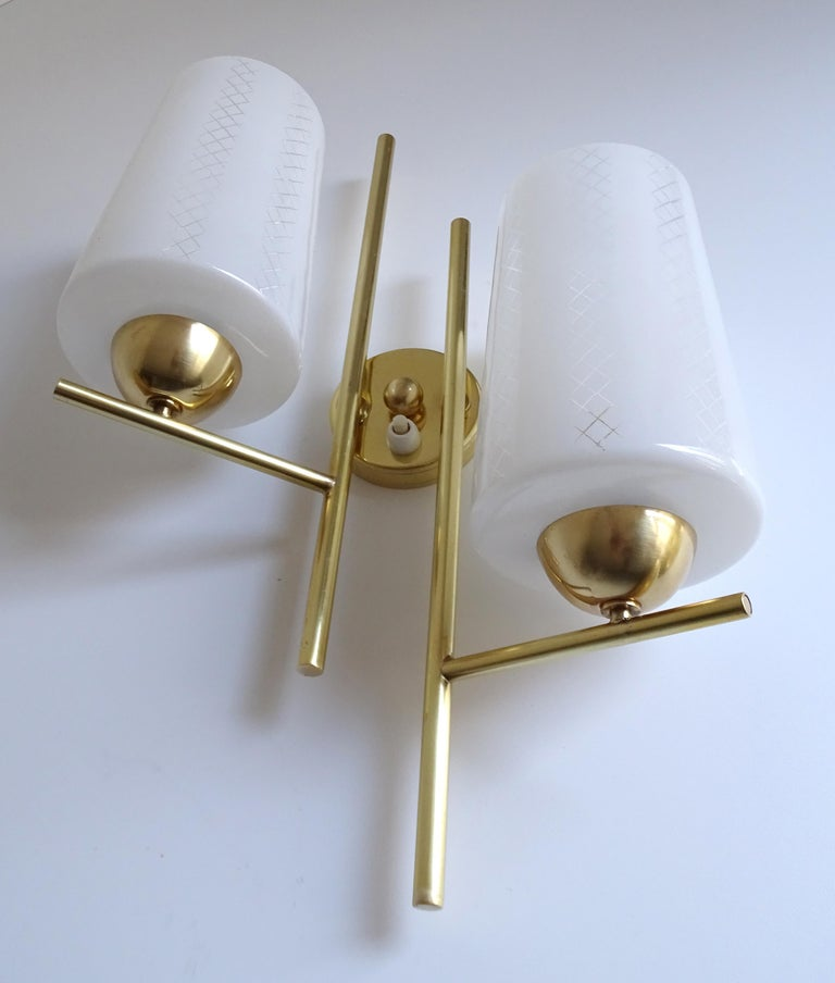 Pair of French  Midcentury Lunel Glass Brass Sconces,   Mirror Wall Lights For Sale 2