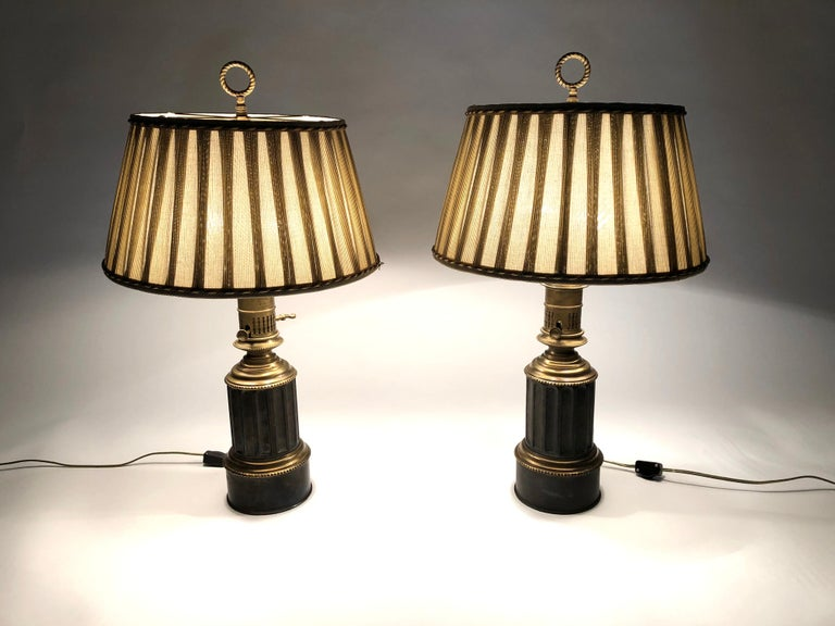 Pair of French Neoclassical Brass and Steel Lamps by Neuberger, Paris For Sale 3
