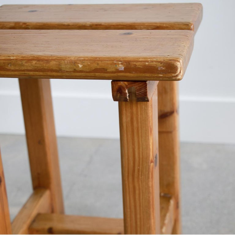 Pair of French Pine Stool in the Style of Charlotte Perriand For Sale 3