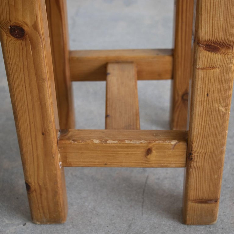 Pair of French Pine Stool in the Style of Charlotte Perriand For Sale 4