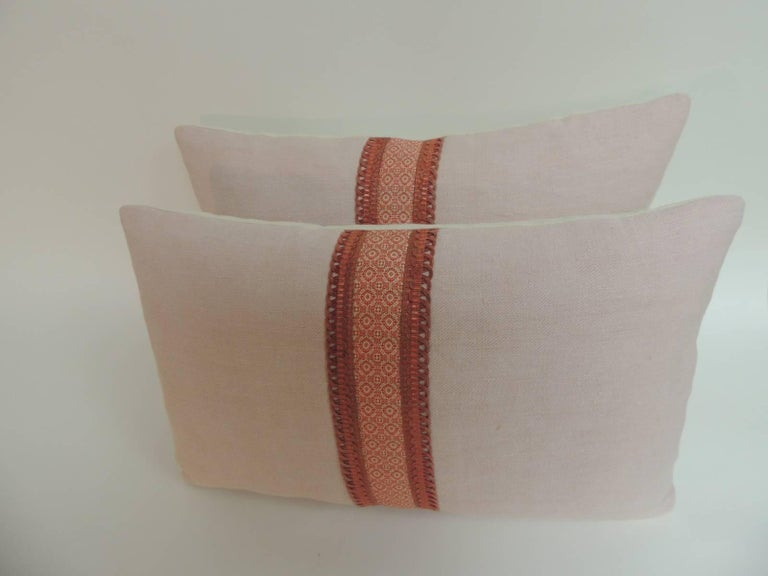 French Provincial Pair of French Pink and Red Linen Trim Decorative Lumbar Pillows For Sale