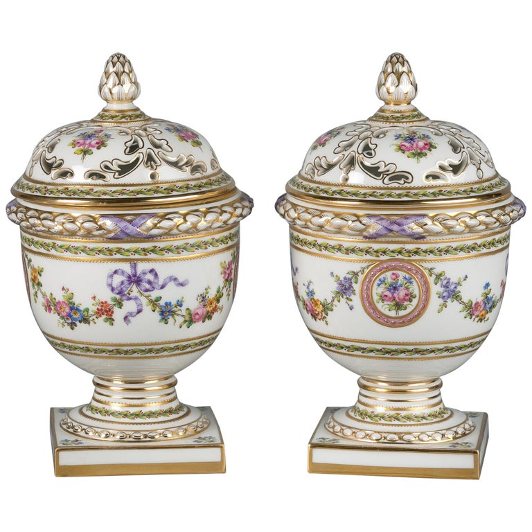Pair of French Porcelain Covered Potpourri Covered Jars, circa 1890 For Sale
