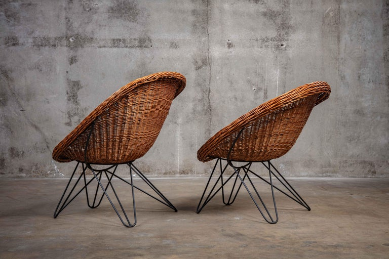 Mid-Century Modern Pair of French Rattan Barrel Chairs For Sale