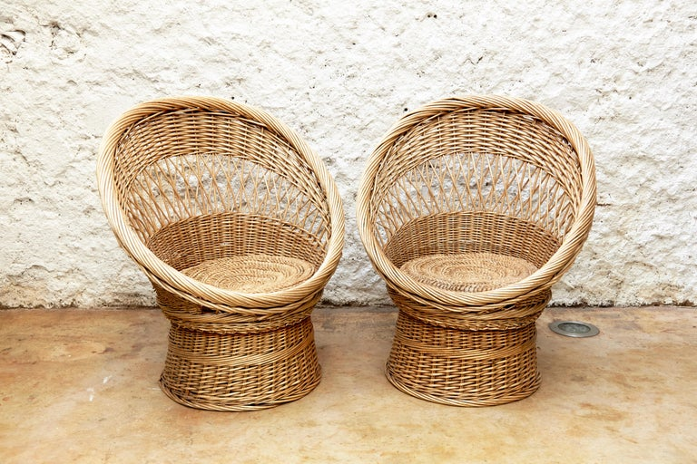 Pair of French Rattan Egg Mid-Century Modern Easychairs, circa 1960 In Good Condition In Barcelona, Barcelona