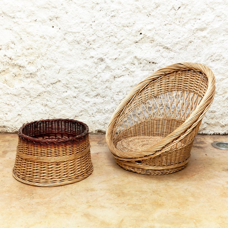 Pair of French Rattan Egg Mid-Century Modern Easychairs, circa 1960 1