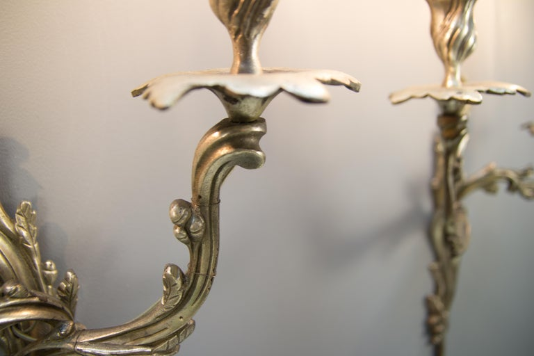 Pair of French Rococo Style Silver Color Bronze Two-Light  Sconces In Good Condition For Sale In Barntrup, DE
