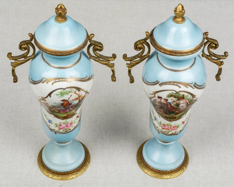 Pair of French Sèvres Porcelain Urns For Sale 2